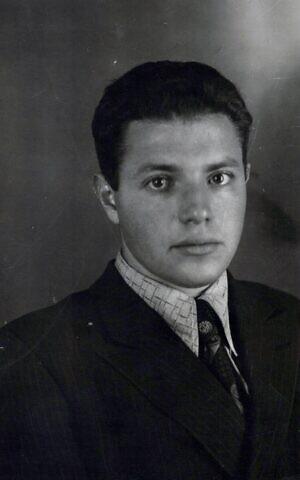 Анатолий Дарон